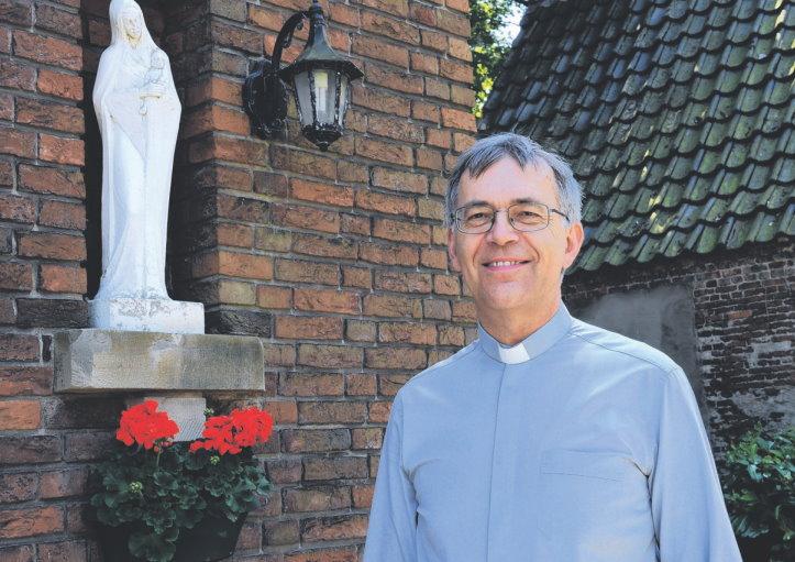 pastoor Hans bij Maria